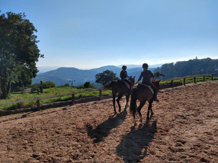 Thaty aulas hipismo equitação montaria, aprender a montar cavalo